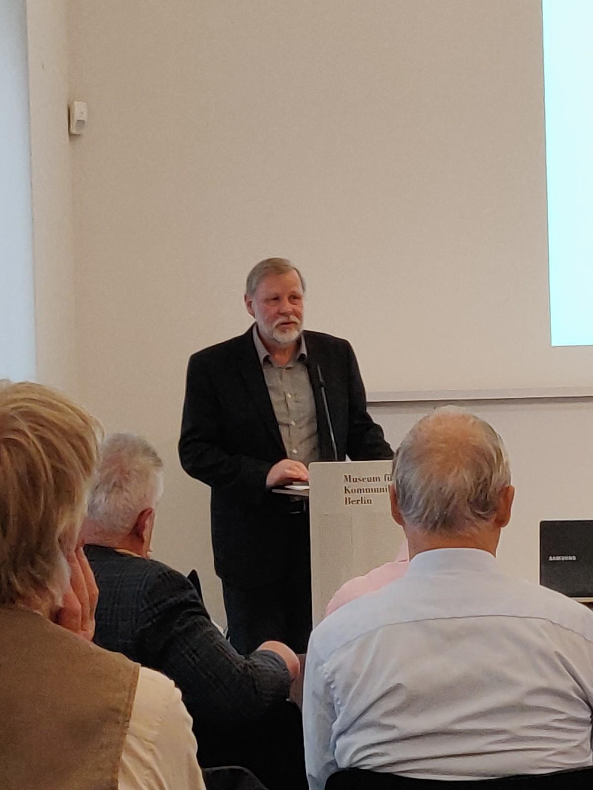 DDR Philatelie Symposium 70 Jahre Schult